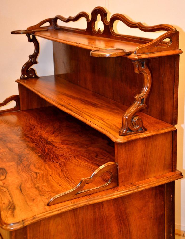 pr chtiger biedermeier schreibtisch mit ablage nussbaum furniert um 1830 ebay. Black Bedroom Furniture Sets. Home Design Ideas