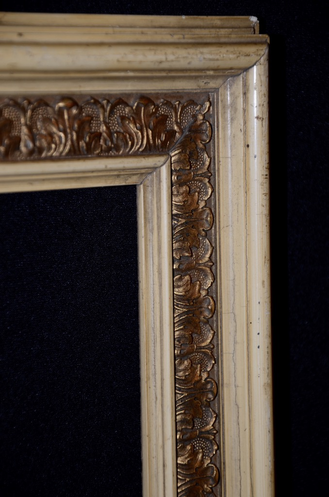 sch ner antiker bilderrahmen rahmen holz cremeweiss gold stuck 19 jhdt ebay. Black Bedroom Furniture Sets. Home Design Ideas